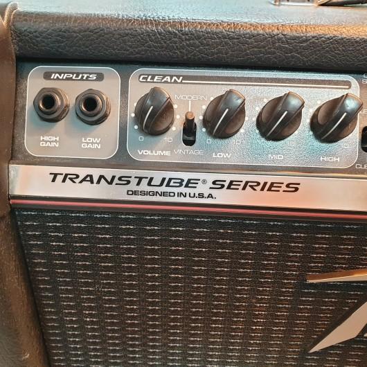 Amplificator Chitara Peavey Bandit 112 80W + Pedala