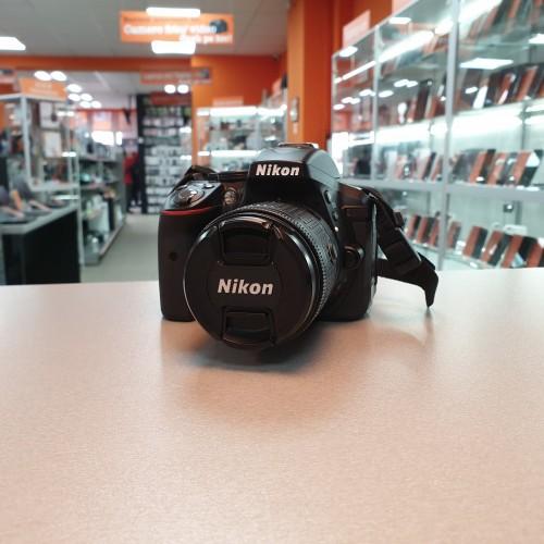 Aparat Foto Nikon D5300 + Obiectiv 18-55mm