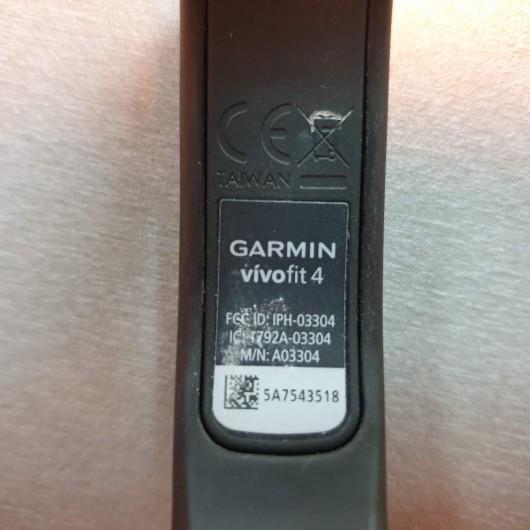 Bratara Fitness Garmin VivoFit 4
