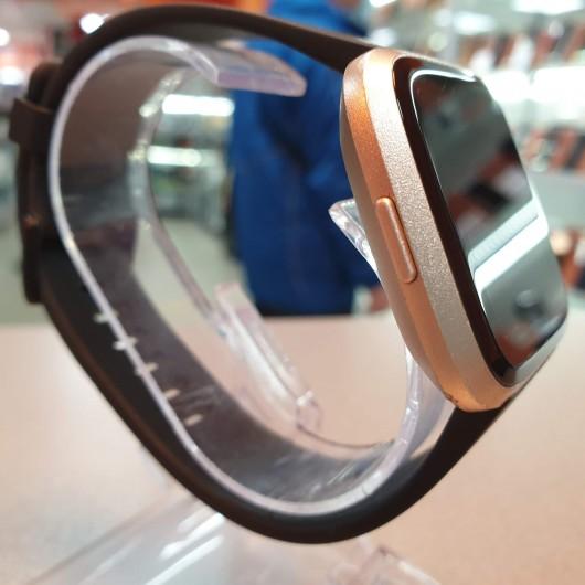 Ceas Smartwatch FitBit Versa FB505