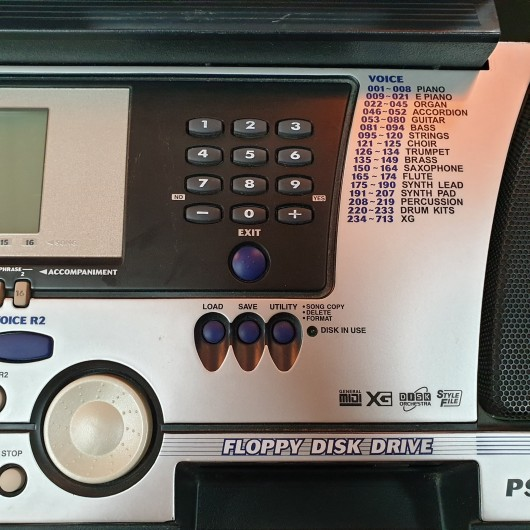 Claviatura / Keyboard Yamaha PSR-550 - 61 clape