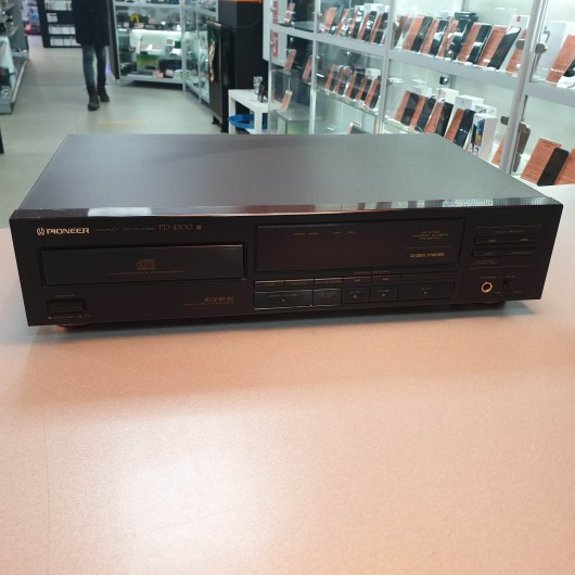 Compact Disc Player Pioneer DP-4500