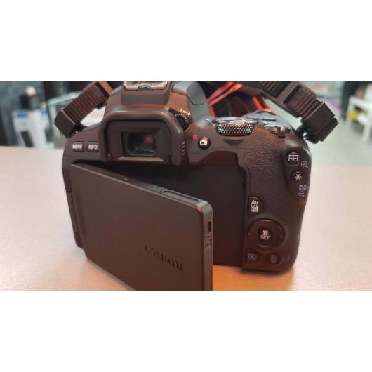 Aparat foto Canon EOS 200D + Obiectiv 18-55mm