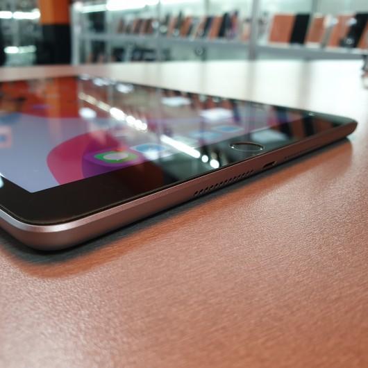 Apple iPad 6 32 Gb Wi-Fi A1893