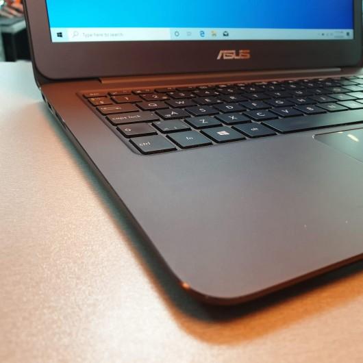 Laptop Asus Zenbook UX305F - Intel M5Y10, 8 Gb RAM, SSD 256 Gb