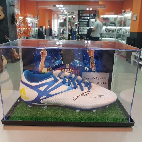 Gheata fotbal cu semnatura lui Lionel Messi