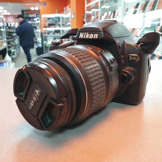 Aparat Foto Nikon D40 + Obiectiv 18-55 mm