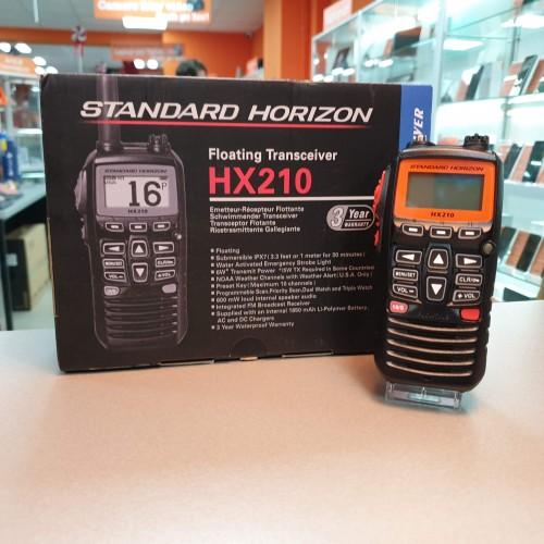 Statie Walkie-Talkie Standard Horizon HX210