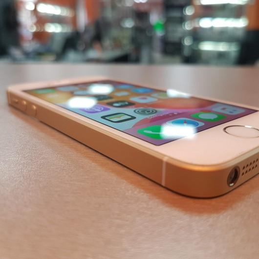 Apple iPhone SE 16 Gb